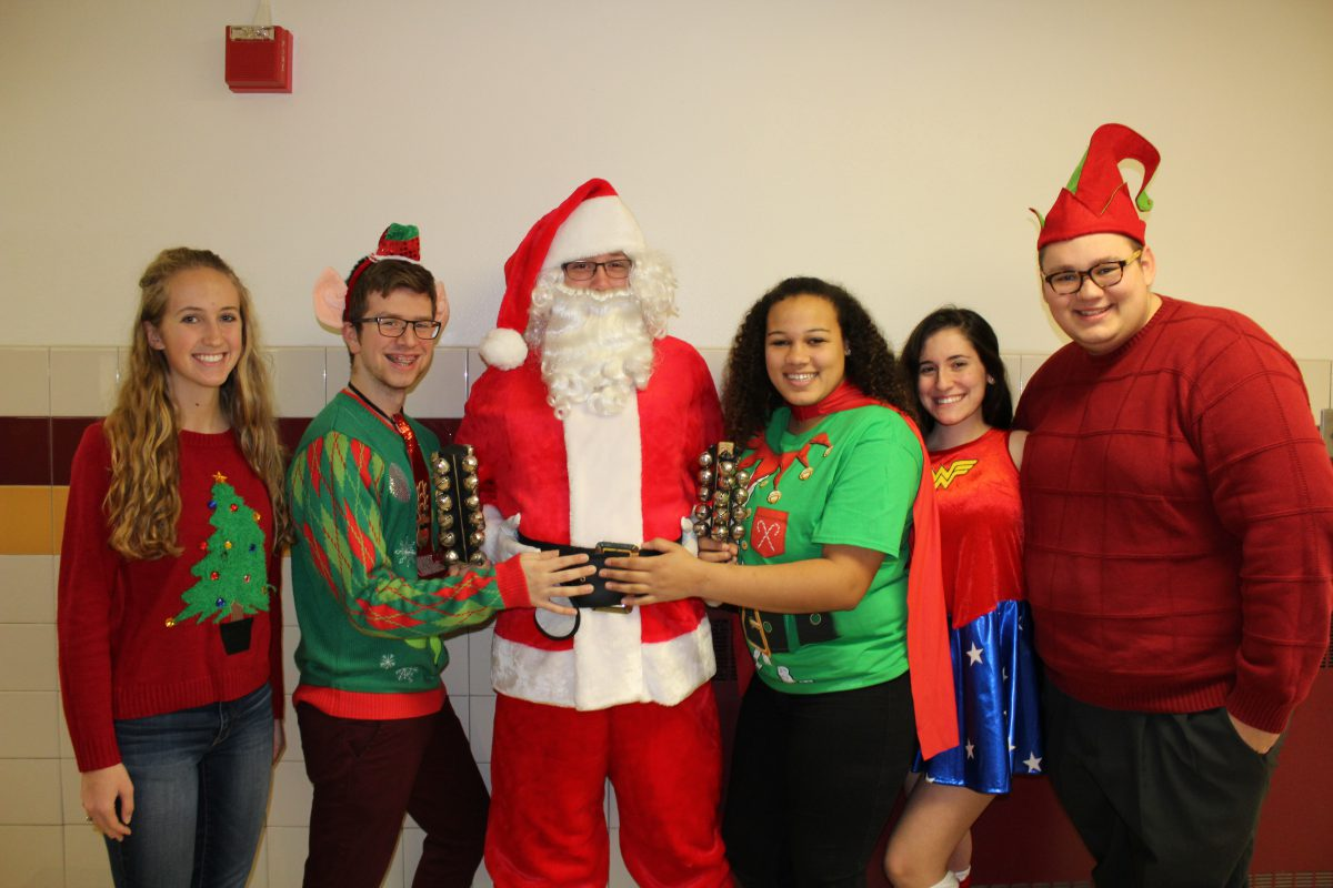 Santa Claus tours FFCS with help from the high school Key Club