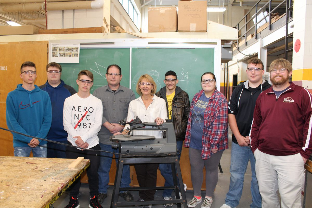 Local business donates equipment to technology, engineering classroom